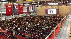 """Türk Eğitim Derneğinin İngilizce dil eğitimi konusunda geleneksel olarak düzenlediği TED ELT Konferansı'nın yedincisi, """"EDUCATED EDUCATORS"""" teması ile TED Ankara Koleji'nde gerçekleştirildi. Konferansa Türkiye'deki özel okul ve devlet okullarından gelen 950 öğretmen katıldı. Program TED Ankara Koleji Okul Bandosu'nun çaldığı İstiklal Marşı ile başladı. Açılışta konuşan Türk Eğitim Derneği Genel Müdü"""