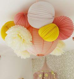 Composition lampion en plafonnier rose et jaune