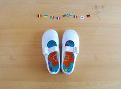 デコパージュ 入学準備上履きの作り方|入園・入学グッズ|ベビー・キッズ|ハンドメイド・手芸レシピならアトリエ Baby Kids, Kids Fashion, Crafts For Kids, Children, Sneakers, Sandals, Handmade, Bags, Shoes