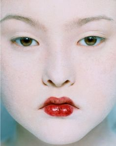 Model Devon Aoki by Eric Traore. Her father is the owner of the famous Mr Chow restaurant in NYC and elsewhere. Beauty Makeup, Hair Makeup, Hair Beauty, Makeup Tips, Aoki Devon, Pretty People, Beautiful People, Portrait Photography, Fashion Photography