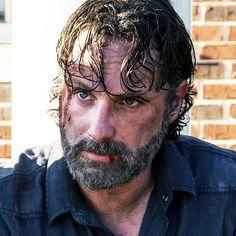 "870 curtidas, 14 comentários - Rick Grimes | Andrew Lincoln (@rick_grimes.andrew_lincoln) no Instagram: ""#NewProfilePic  #AndrewLincoln as #RickGrimes in #TheWalkingDead Season 8, Episode 13 ""Do Not Send…"""