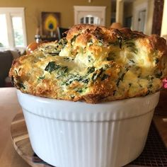 Spinach Souffle, Cheese Souffle, Souffle Dish, Souffle Recipes, Spinach And Cheese, Breakfast Souffle, Breakfast Casserole, Vegetarian Recipes, Cooking Recipes