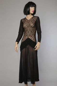 3a688f7480787 13 best Robes en dentelle noire   Black Lace Dresses images on Pinterest