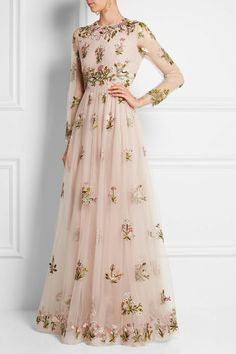 Valentino Embellished Embroidered Tulle Gown Concealed hook and zip fastening at back polyamide; Beautiful Gowns, Beautiful Outfits, Fashion Vestidos, Evening Dresses, Prom Dresses, Net Dresses, Net Gowns, Formal Dresses, Dresses Online