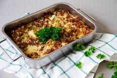 Kaalilaatikko - Perinteinen ohje ja muunteluvinkkejä   Snellman Lchf, Lasagna, Macaroni And Cheese, Healthy Eating, Diet, Ethnic Recipes, Food, Eating Healthy, Mac And Cheese