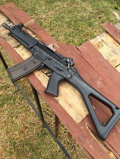 Assault Weapon, Assault Rifle, Weapons Guns, Guns And Ammo, Big Ford Trucks, Ar Pistol, Battle Rifle, Shooting Guns, Military Guns