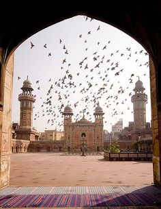 Wazir Khan Mosque in Lahore, Pakistan (by Waheed Khalid).