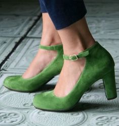 Green Suede Ankle Strap Heels Vintage Round Toe Chunky Heel Pumps for Work, Formal event, Wedding, Anniversary, Going out Mode Shoes, Women's Shoes, Me Too Shoes, Shoe Boots, Shoes Style, Louboutin Shoes, Platform Shoes, Christian Louboutin, Chunky Heel Pumps