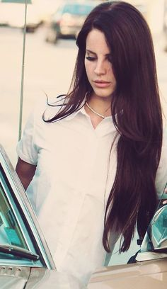 Lana Del Rey ♥ I want my hair to look like this.