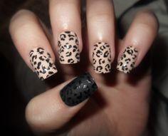 <3 leopard nails