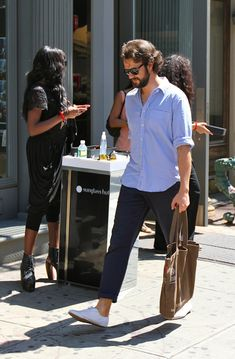 Do iT Like Coco: Man Street Style july 2011..it's all about blue& white..