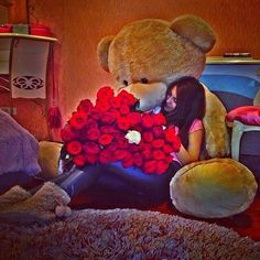 When I mean big, means really big bear with red roses Huge Teddy Bears, Giant Teddy Bear, Big Bear, Teady Bear, Teddy Girl, Romantic Gestures, After Life, Lucky Girl, Birthday Pictures