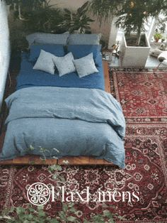 FlaxLinens.com offers custom sized linen bedding + for all you interior design aficionados mix & match over 35 colors and patterns of Belgian & Chambray Linens. Flax Linens are now offering curtains and bedding in to complete your dream bedroom looks #getcomfy with FlaxLinens.com