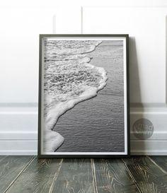 How to Take Good Beach Photos Photography Backdrops, Beach Photography, Beach Wall Decor, Black And White Wall Art, Beach Print, Wall Art Sets, Beach Pictures, Printable Wall Art, Photo Art