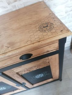 Home Projects, Projects To Try, Industrial Furniture, Hope Chest, Vintage Images, Furniture Makeover, Painted Furniture, Ikea, Decorative Boxes