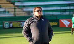O Bahia confirmou que o técnico Guto Ferreira é o novo comandante da equipe. O contrato do treinador será válido até o fim de 2016.