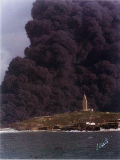 Naufraxio do petroleiro Aegean Sea en Punta Herminia o 3 de decembro de 1992
