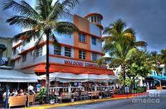 Art Deco Hotel on Ocean Drive in Miami Beach Florida - February 2012 Miami Beach Hotels, South Beach Miami, Miami Street Art, Miami Art Deco, Art Deco Buildings, Art Deco Home, Picture Postcards, Miami Florida, Beach Art