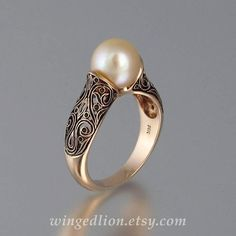 You are going to buy this? Fine Jewelry Tourmaline with Diamonds The ENCHANTED PEARL rose gold ring Minimal Modern Jewelry Schmuck im Wert von Pearl Jewelry, Gold Jewelry, Jewelry Rings, Vintage Jewelry, Jewelry Accessories, Fine Jewelry, Unique Jewelry, Crystal Jewelry, Stylish Jewelry