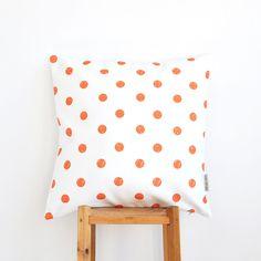 Orange dot cushion #InstantGreatlyMakeover