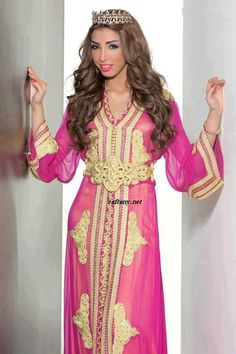 Star and Caftan Pascal Machaalani Moroccan Caftan, Moroccan Style, Moroccan Fashion, Style Royal, Caftan Dress, Mode Inspiration, Indian Outfits, Indian Clothes, Dress Outfits