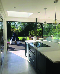 Outstanding modern kitchen room are offered on our site. Check it out and you wont be sorry you did. Open Plan Kitchen Living Room, Kitchen Dining Living, Home Decor Kitchen, Interior Design Kitchen, New Kitchen, Home Kitchens, Kitchen Ideas, Kitchen Modern, Kitchen Helper