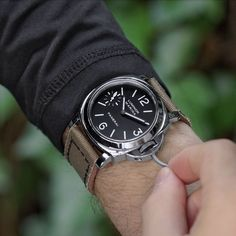 Popular Watches, Best Watches For Men, Luxury Watches For Men, Cool Watches, Omega Seamaster Diver, Omega Watches Seamaster, Panerai Watches, Panerai Luminor, Men's Watches