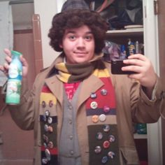 27 Wonderful Doctor Who Costume Ideas For Whovians Four Curly hair is one of the Fourth Doctor's most distinctive features.