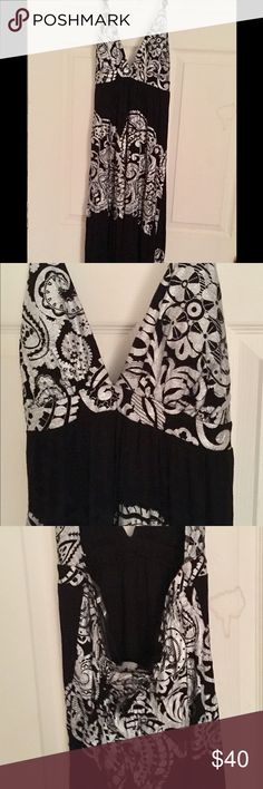 Black and gray long dress Black and gray long dress that you can dress up or down. Super cute Rubber Ducky Dresses Maxi