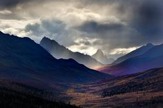 Professional landscape and award-winning travel photographer Les Picker shares the story behind his incredible image captured in the Yukon Territory. Photography Tours, Fine Art Photography, Landscape Photography, Arctic Tundra, Before Sunrise, Arctic Circle, Travel Photographer, Countryside, National Parks