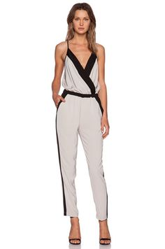 Kleider für Hochzeitsgäste: Eleganter Jumpsuit