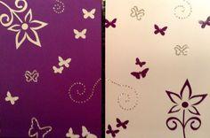 Flores y mariposa en morado