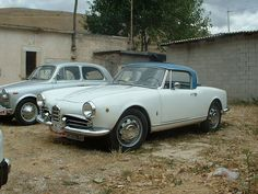 Always thought the removable blue hardtop was a mismatch, but apparently not. sounded like a roadster, but that was actually the leaky exhaust. Alfa Romeo Giulietta Spider, Alfa Romeo Spider, Sounds Like, Cool Cars, Race Cars, Classic Cars, Automobile, Racing, Spiders