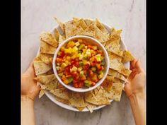 Fruitsalsa met kaneel-nacho's - YouTube