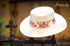 Hat Firebird Firebird, Cowboy Hats, Fashion, Fashion Styles, Western Hats, Fashion Illustrations, Trendy Fashion, Moda