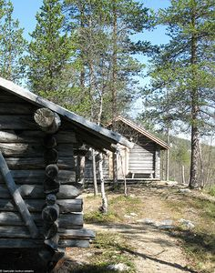 Saariselkä in May - Kummituskamppa | Saariselka. Cabins and Activities in Saariselkä #saariselkä #saariselka #saariselankeskusvaraamo #lapland #astueramaahan #stepintothewilderness #saariselkaMTB http://www.saariselka.com