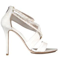Sandalo in Semah, tessuto di seta plissettato. Applicazioni di perle e chiusura posteriore con zip. Tacco stiletto ricoperto 10 cm.