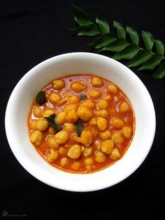 Cicer na paprike Chana Masala, Dishes, Ethnic Recipes, Chickpeas, Indie, Food, Tablewares, Eten, Flatware