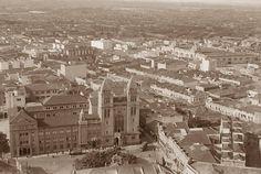 1910/1920 - Largo e Mosteiro de São Bento. Ao fundo a rua 25 de Março e o Mercado Municipal. O relógio da igreja não está instalado (1921), porém já está com a fachada atual (que começou a ser alterada em 1910).