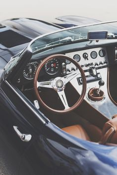 jaguar e-type speedster | classic luxury sports cars