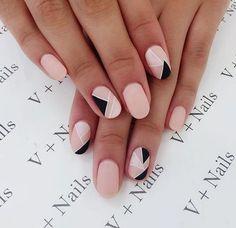 Simple Line Nail Art Designs You Need To Try Now line nail art design, minimalist nails, simple nails, stripes line nail designs Stylish Nails, Trendy Nails, Cute Nails, Pink Nails, My Nails, Black And Nude Nails, Nail Design Glitter, Nails Design, Glitter Nails