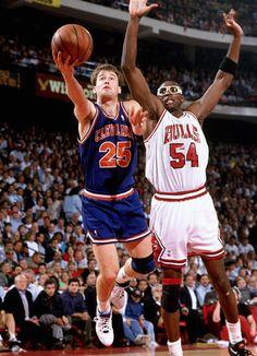 Basketball History, Basketball Skills, Pro Basketball, Basketball Pictures, Basketball Legends, Cleveland Team, Horace Grant, Nba Europe, Inside The Nba
