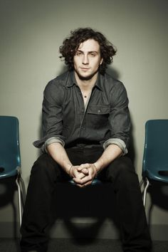 Image shared by Priscila Souza. Find images and videos about aaron taylor-johnson on We Heart It - the app to get lost in what you love. Tom Payne, Aaron Taylor Johnson, Robert Sheehan, American English, James Potter, Elizabeth Olsen, L'oréal Paris, Keanu Reeves, Attractive Men