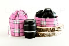 Photographer Gift Set   Add style and personality to your photography equipment with this handmade cover camera strap and lens case. They could also be an original photographer gift idea ♥   Cover Camera Strap w/ Drawstring Lens Case   Canon/Nikon DSLR Cover Camera Strap Sleeve w/ Lens Pouch Bag