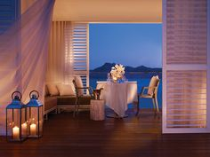 Located in the heart of Australia's Great Barrier Reef, One&Only Hayman Island is the northernmost of the Whitsunday Islands off the coast of Queensland. Within this private island resort, stylish elegance reflects the harmony of nature with beautifully appointed accommodation set against the backdrop of the Coral Sea.