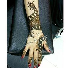 Sweet Arabic Mehndi Designs Brides, Modern Henna Designs, Hena Designs, Mehndi Designs Book, Finger Henna Designs, Stylish Mehndi Designs, Mehndi Design Pictures, Beautiful Mehndi Design, Latest Mehndi Designs