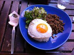 【パラダイスマカオ ガパオ】素敵なテラスで食べました。美味しかった~腹減った~