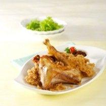 Resep Ayam goreng - Mayoritas orang indonesia menyukai Resep Masakan ini, termasuk saya pribadi. Rasa yang gurih dan renyah akan membuat anda ketagihan untuk selalu menikmatinya. Berikut ulasan Resep Ayam Goreng Kremes selengkapnya :