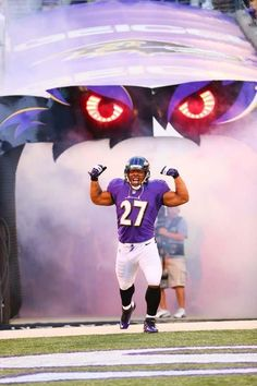 The man deserves a second chance I'm just saying Baltimore Ravens Players, Ray Rice, Home Team, Sports Pictures, National Football League, Nfl Football, Espn, Photo Galleries, Father