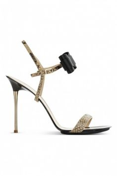 http://www.blog-chaussures.fr/2012/04/collection-chaussures-printemps-ete-2012-gianvito-rossi/ #shoes Gianvito Rossi